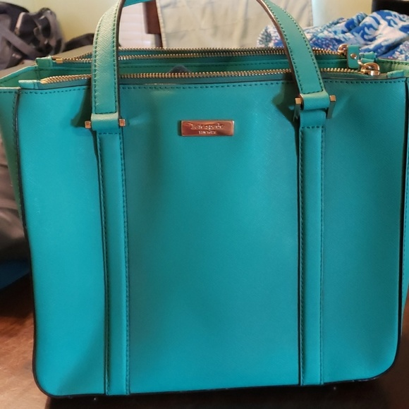kate spade Handbags - beautiful kate spade bag!!